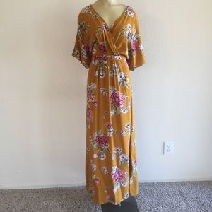 NWOT! Love, Fire Floral Maxi Dress size Large!